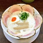ラーメン家 みつ葉 - 豚CHIKIしおチャーシューメン