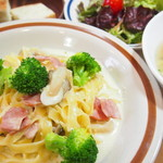 カフェバル ぐるり - パスタランチ 900円 ・日替わり生パスタ  ・スープ  ・ミニサラダ  ・パン