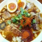 辛口炙り肉ソバ ひるドラ - 辛口炙り肉そば醤油780円