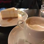 63307507 - トップフォト コーヒーとニューヨークチーズケーキ