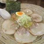 ラーメン工房 ら房 - 料理写真:塩チャーシュー700円