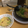 河童らーめん本舗 - 料理写真:やきめしセット 河童らーめんと半炒飯