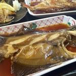 福浦漁港 みなと食堂 - 赤ガレイ煮付け
