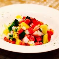 季節野菜の彩りサラダ