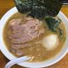 らーめん 喜輪 - 料理写真:チャーシューメン(870円)と味玉(50円)