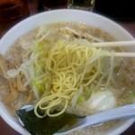 ハッスルラーメン ホンマ - 麺リフトっ!