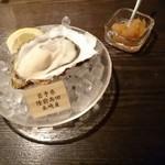 63385879 - 生牡蠣。ぷりっとしてなかなか美味