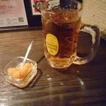 63385887 - 酒場らしいお茶容器。飲みたくなるじゃないか!
