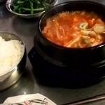 ケイストーリー - キムチチゲ定食