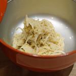 三谷 - 松葉蟹 蟹味噌和え 奈良萬 純米生 おりがらみ を合わせて