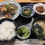 63406562 - カツオタタキ定食 700円