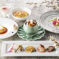 コラーゲンたっぷり極上壺蒸しスープ「美潤」桜ランチ