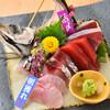 すし割烹悠水 - 料理写真:全国各地から朝獲れの鮮魚を厳選します