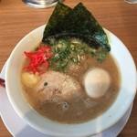 九州釜焚きとんこつ ばってんラーメン - 料理写真:味玉ラーメン