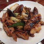 三和楼 - 鶏肉の黒豆炒め