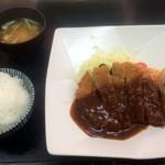 とんかつ 吉兆 - 料理写真:ロースとんかつ定食150g(2017,3)