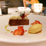 KEISUKE MATSUSHIMA - 苺のミルフィーユ、ヴェルヴェーヌのアイスクリーム