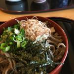 八重垣 - 割子蕎麦 一枚250円