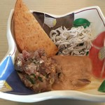 63519104 - 和食には、さつま揚げ・鯵のまめろう・塩辛・シラスをチョイス