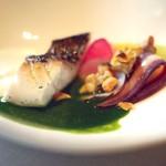 リョウリヤ ステファン パンテル - 鯛のロースト、ジャガイモのピューレ、春野菜のソース