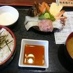 二丁目酒場 - 海鮮丼定食  800円