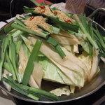 鉄板もつ焼き 焼鳥  きむら屋 - モツ鍋(醤油味)