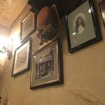 西洋茶館 - 壁