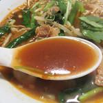 地鶏炭火焼 とりあん - 辛味噌スープということですが、ナンプラーの風味や甘味もあって複雑な美味しさです。