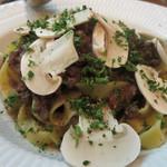 フィリペペ - 和牛ミンチのボロネーゼ。トマトソースかと思いきや、オイルベース。美味しい!