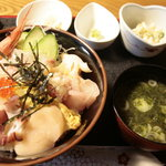 肴処 百善 - 海鮮丼定食\650