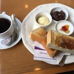 メルヘン - Bセットモーニング(550円)小倉トースト・たまごサラダ・ヨーグルト・ドリンク