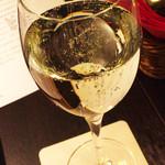 Koume - 乾杯のスパークリングワイン