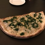 ミンタマ - アーサーとシラスのピザ