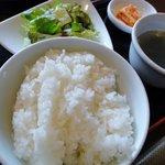 じゅうじゅう亭 - スタンダード(ライス大盛)、一品はサラダを選択