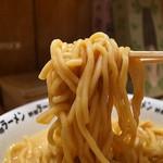 野郎ラーメン - あさひ屋製の中太麺は二郎的に凡庸
