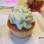 オリエンタルホテル - ウェディングケーキ(カップケーキ)