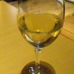 パウロ アンド ボルガ - グラスワインちょっと甘めでした