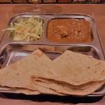 カフェと印度家庭料理 レカ - チキンサブジとチャパティ