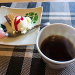 三馬力+1/2 - デザートとホットコーヒー。
