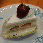 パティスリーカミーユ - いちごのショートケーキ
