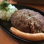 大衆肉料理 榎久 - おろしハンバーグ定食250g ¥950(2017年3月11日現在)※ソーセージトッピング