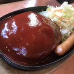 大衆肉料理 榎久 - ハンバーグ定食250g ¥880 (2017年3月11日現在)※ソーセージトッピング