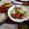 ナガシマキッチン - 料理写真:うきざとむら唐揚げセット(1,030円)とプレミアムモルツ(670円)
