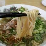 来来亭 - ラーメン670円 スープと醤油返しが強め