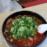 来来亭 - 赤味噌ラーメン 多加水太縮れ麺 八丁味噌と少量のラー油がマッチ