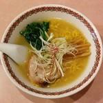 ラーメン まるいし - 塩ラーメン(680円)