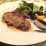 リビング バー - 若姫牛サーロインレアステーキのオニオンソース
