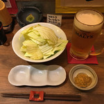 揚旬 - お通しのキャベツと生ビール