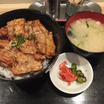 豚丼 黄金豚 - (2017年02月)
