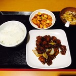 大豊収 - 黒酢酢豚定食(¥650)